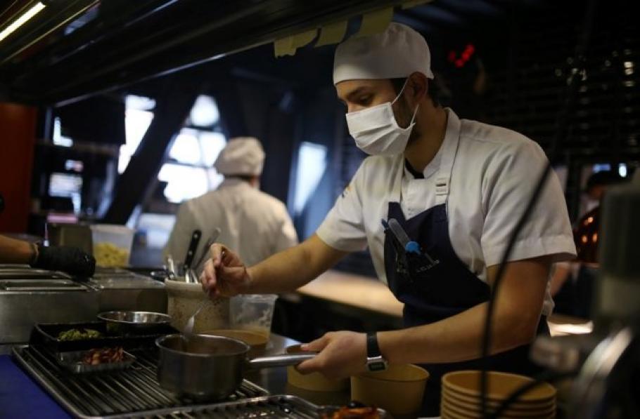 Кафе-садкарници, дискотеки, места за хранене и развечение остават затворени най-малко до 31 януари. Могат да работят само ресторантите на територията на...