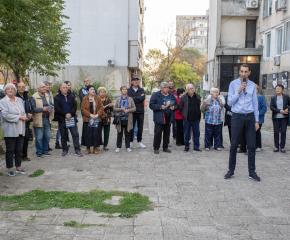 """В.Ревански и екипа му отчетоха позитивната си кампания пред жители на к-с """"Диана"""" (видео)"""