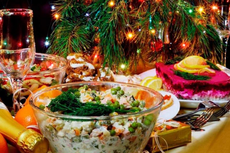 Скромно, без големи празненства, руските и украинските граждани, които живеят на територията на област Ямбол посрещат днес Старата Нова година. Заради...