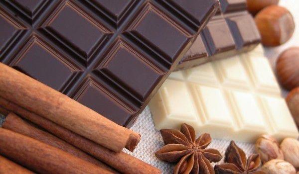 """Повече захар, по-малко какао и добавено палмово масло - това на практика съдържат най-разпространените шоколади в търговската мрежа у нас според """"Активни..."""