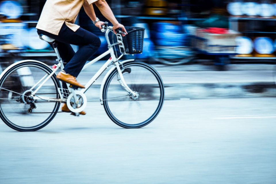 За изминалите десет месеца са загинали 21 велосипедисти при пътни произшествия, а 327 са ранени.Това каза главен инспектор Илия Георгиев от Пътна полиция...