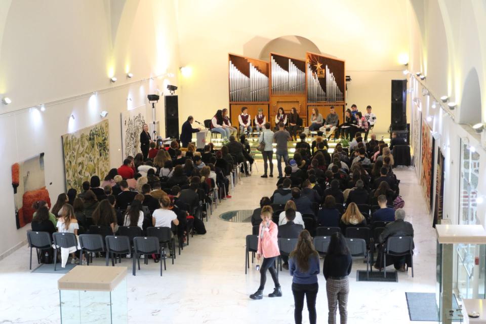 С поредица от инициативи в Ямбол ще бъде отбелязан Денят на православната християнска младеж и семейство – 21 ноември. Програмата включва събития от 19...