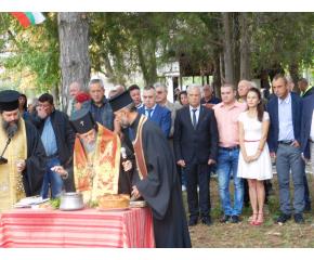 Село Бинкос очаква нов православен храм