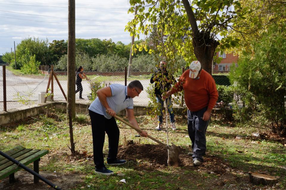 """Залесителна акция """"Посади дърво, намери добро"""" организира на 21 октомври общинският съветник в """"Тунджа"""" Георги Иванов Георгиев в Завой съвместно с кмета..."""