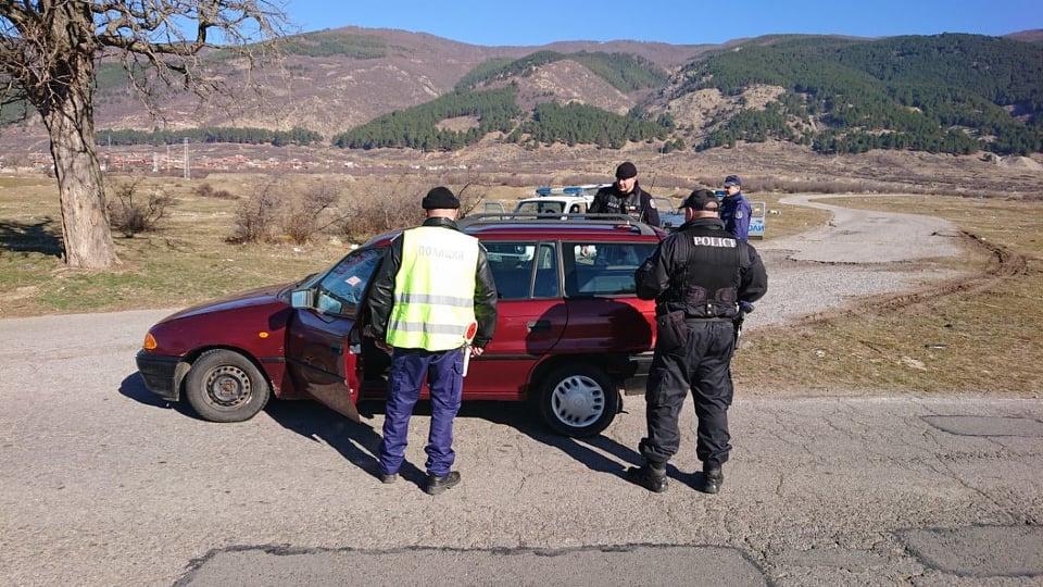 Шестима са задържани, разкрити са престъпления и са констатирани нарушения в хода на специализирана операция в района на Твърдица, съобщават от Областната...