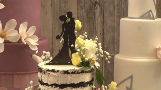 Шестнайсет сватби при спазване на всички противоепидемични мерки е имало по време на извънредното положение в Сливен. Това съобщи пред репортер на БТА...