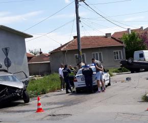 Шофьор отне предимство на кръстовище и се вряза в друг автомобил