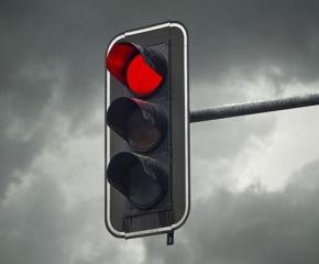 Силният вятър е нанесъл повреда на светофара при Дамарския мост