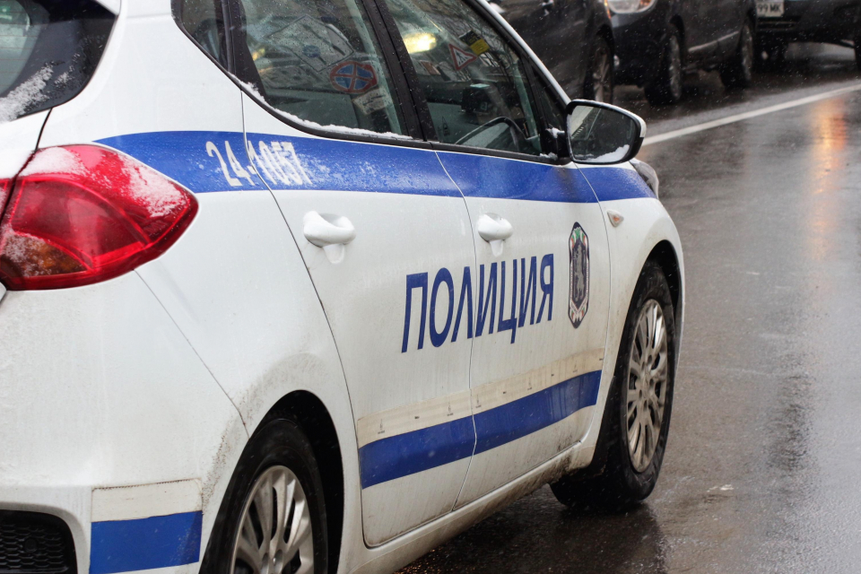 На 13 януари, около 10:40 ч. в района на индустриалната част на Ямбол, мъжът не изпълнил полицейско разпореждане да спре управлявания от него автомобил...