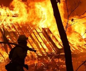 След пожар: Семейство от Сопот остана без дом