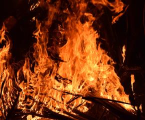 След пожар загина 37-годишен мъж от Бургас