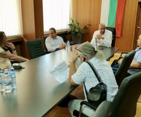 След установено неспазване на разписанието на градския транспорт в Ямбол, днес се проведе среща с ръководството на фирмата превозвач