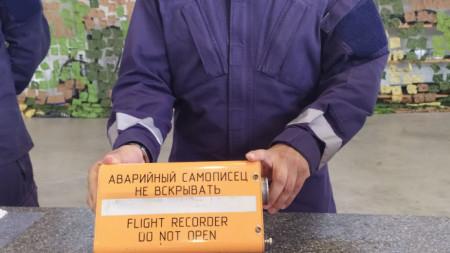 Идната седмица се очаква да бъдат оповестени части от доклада на Военна полиция за инцидента с падналия на 9 юни в морето край Шабла изтребител Миг-29....