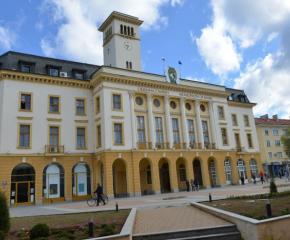 В Сливен административните структури продължават да приемат граждани