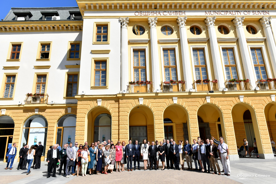 Градовете Сливен, Бидгошч и Ниш започнаха съвместно партньорство  На официална церемония...