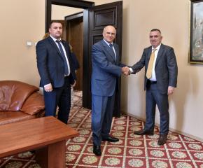 Сливен: Кметът Стефан Радев и посланик Димитриос Хронопулос обсъдиха възможности за сътрудничество между Сливен и северен град в Гърция