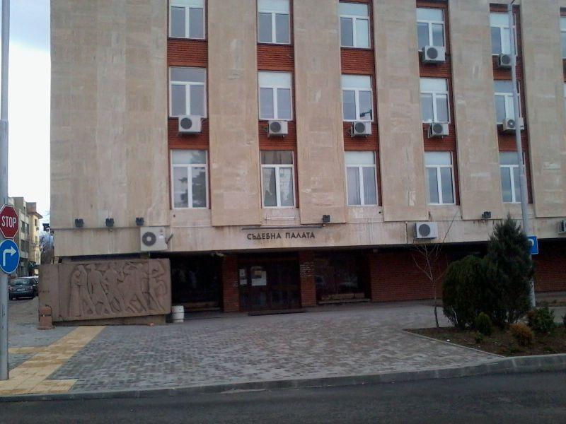 В Сливенския окръжен съд утре от 9.30 часа ще се състои първото разпоредително заседание по делото за убийство на седемгодишно дете от село Сотиря. Това...