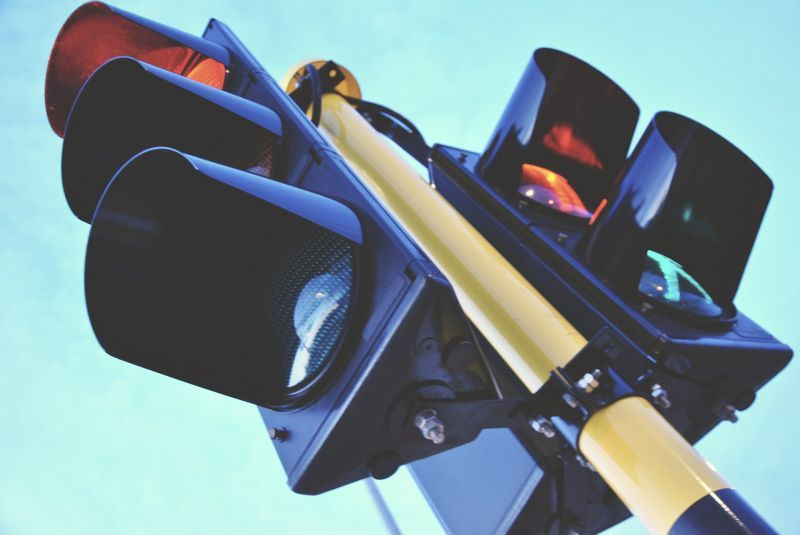 """Във връзка с продължаващите дейности по подмяна на част от елементите на светофара на кръстовището на бул. """"Стефан Стамболов"""" с бул. """"Георги Данчев"""", от..."""