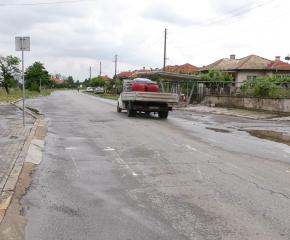 Слушатели: Пешеходна пътека в с. Роза е опасна за хората. Шофьори не спазват ограниченията (видео)