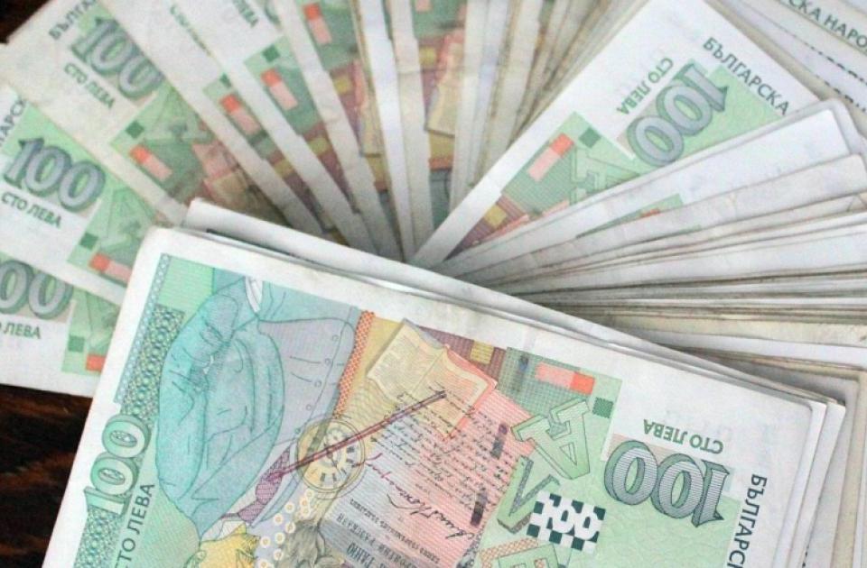 За по-малко от 24 часа криминалисти на РУ-Сливен са разкрили кражба на голяма сума пари, след получен сигнал на 16 юни от 46-годишен мъж. По данни на заявителя...