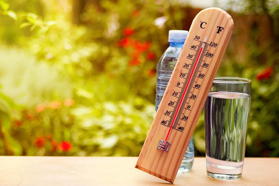В първия ден на лятото времето ще е топло и слънчево, но следобед на места ще превали и прегърми.Астрономическото лято у нас настъпи точно в 00.43 часа.Днес...
