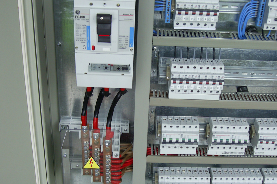 Продължава плановата подмяна на разпределителни касети на електроразпределителната мрежа в град Болярово. По тази причина днес, 1 април, от 9:00 до 16:30...