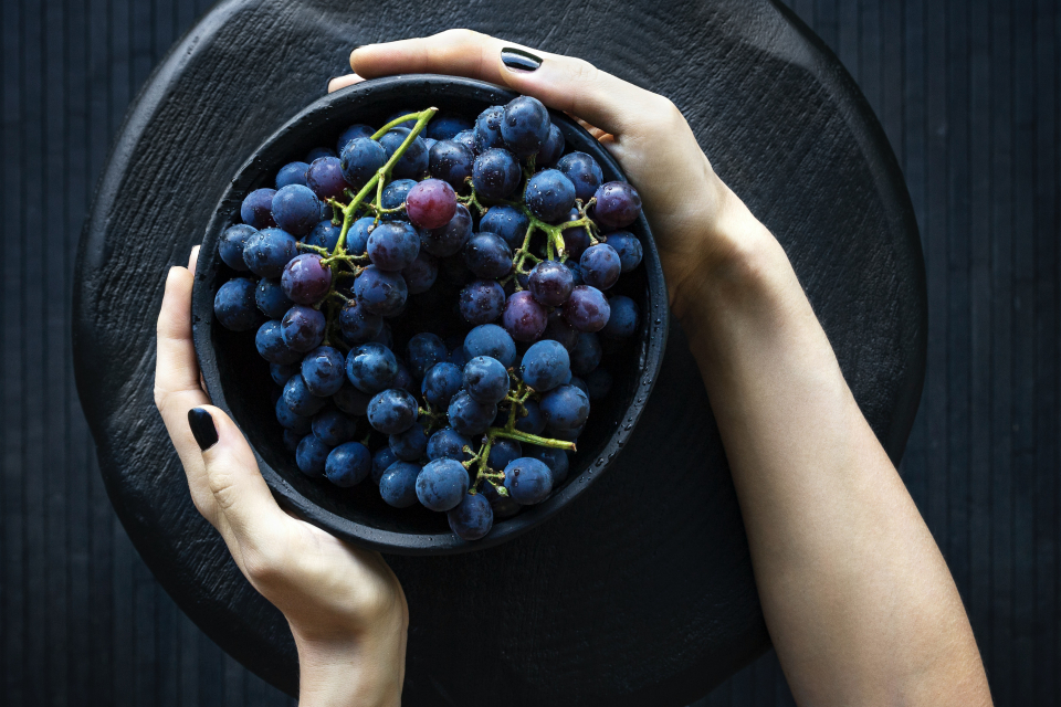 Спад между 30 - 40 % на добива на грозде ще има тази година, заради сушата това лято, каза в интервю за Радио Варна Петьо Бошнаков - един от най-големите...