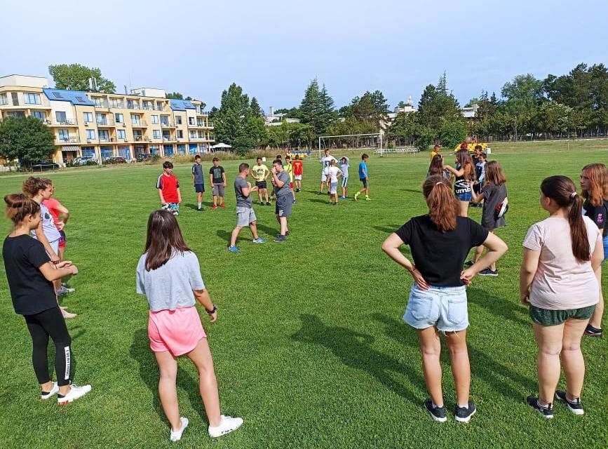 Местната комисия за борба срещу противообществените прояви на малолетните и непълнолетните продължава реализирането на спортни програми по училищата в...