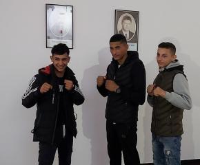 "Спортисти на боксов клуб ""Априлец"" спечелиха златни медали"