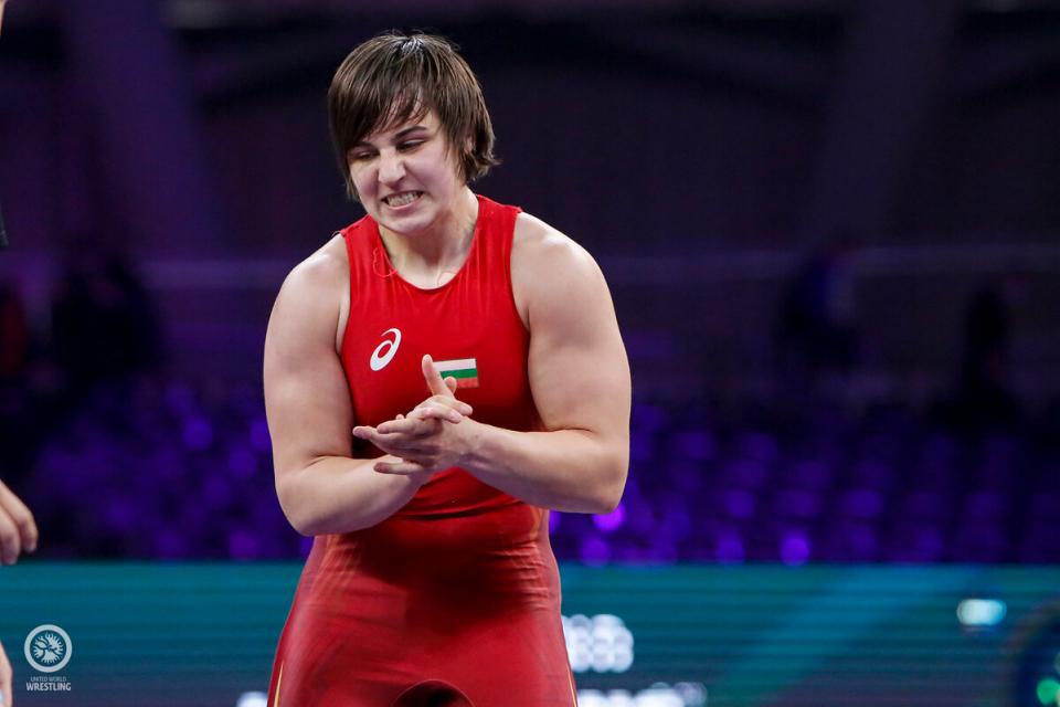 """""""На два пъти оставах на крачка от върха, но сега най-после чух химна в моя чест"""", призна Юлияна Янева, която ликува с титлата в категория до 72 кг на световната..."""