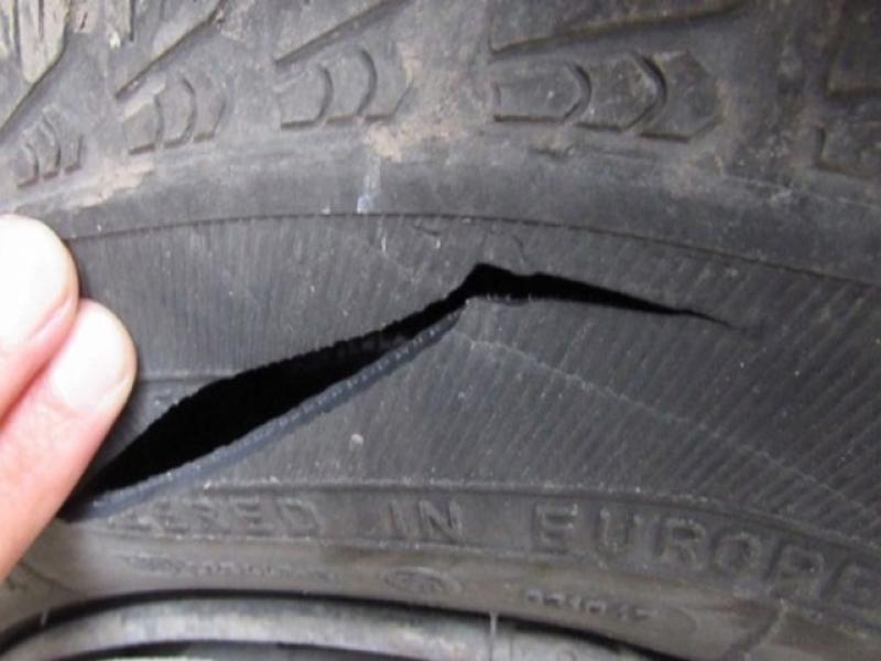 Новозагорски криминалисти работят по установяване на извършител, причинил материални щети по лек автомобил в село Съдиево. През нощта на 14 срещу 15 април...