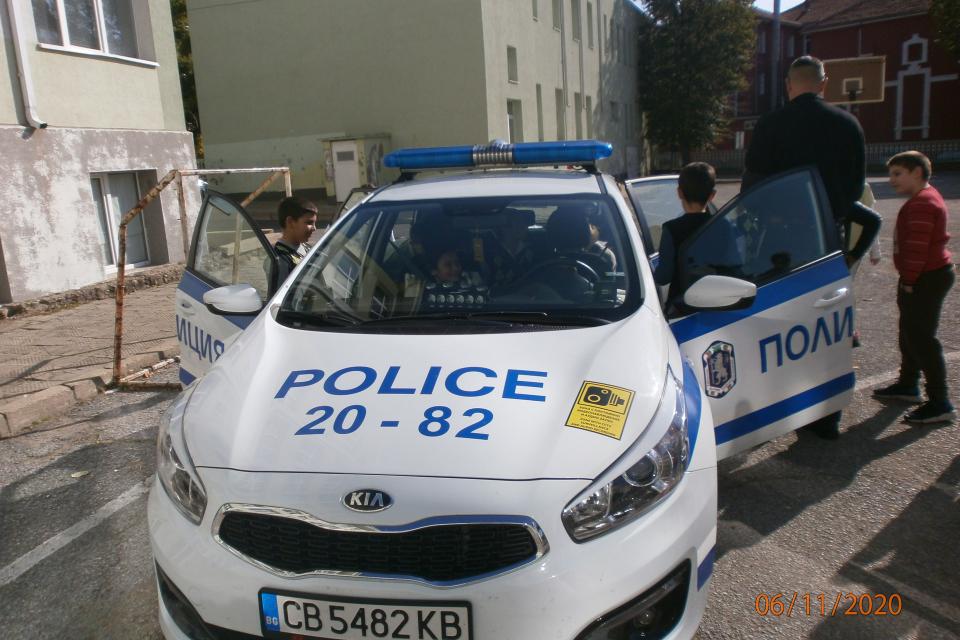С урок по пътна безопасност започна обучението по програмата Детско полицейско управление в град Сливен. През учебната 2020/2021 година заниманията по...