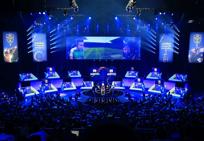 Български турнири на електронната игра FIFA21 за първи път ще дадат възможност на участниците в тях да се включат директно в EA SPORTS FIFA21 GLOBAL SERIES,...