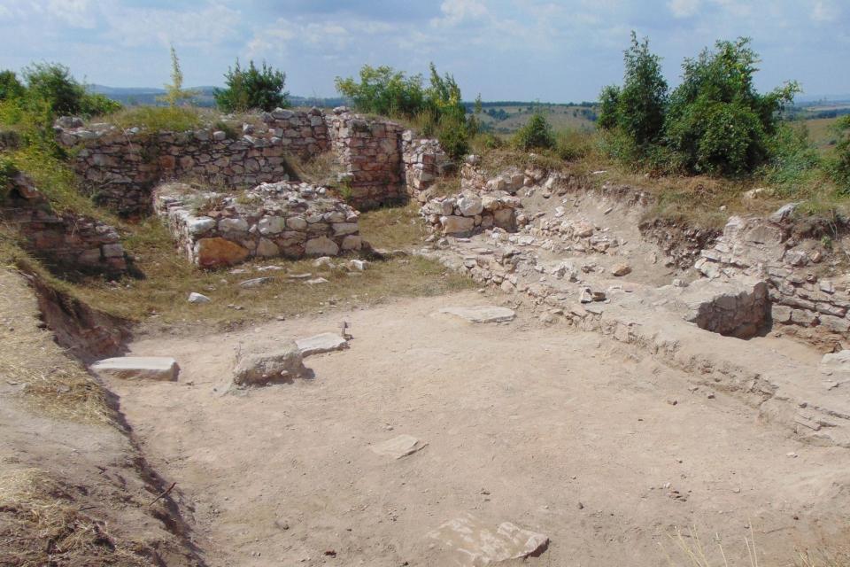 На 9 септември 2020 г. екип на Регионален исторически музей – Ямбол, ръководен от ас. д-р Стефан Бакърджиев и археолога Явор Русев, стартира втория етап...