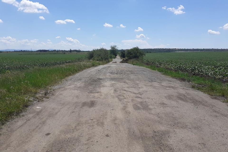 """Днес стартира ремонтът на участъка на област Ямбол от републиканския път II-53 """"Ямбол – Сливен"""". Частта на нашата област е от 8 км. Ремонтните дейности..."""