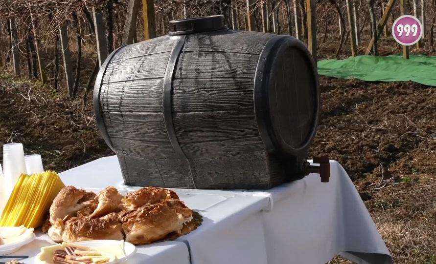 "С посвещение на празника ""Трифон Зарезан"" на 14 февруари Община Стралджа организира традиционния Конкурс за най-добро домашно вино, ракия и пелин. Желаещите..."