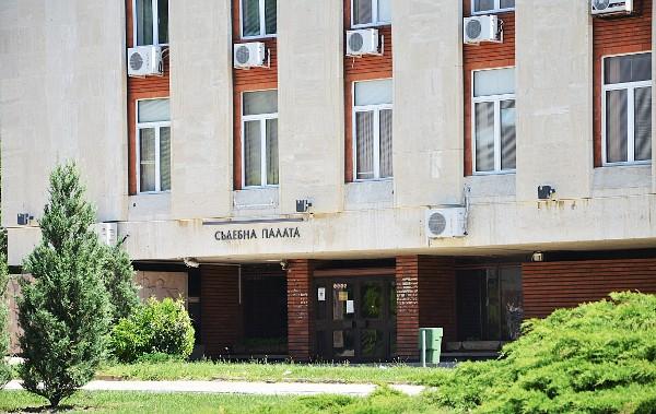 Окръжна прокуратура – Сливен предаде на съд Станчо К. Той е обвинен за това, че на 02.08.2019 г. в гр. Сливен, запалил първи етаж от двуетажна масивна...