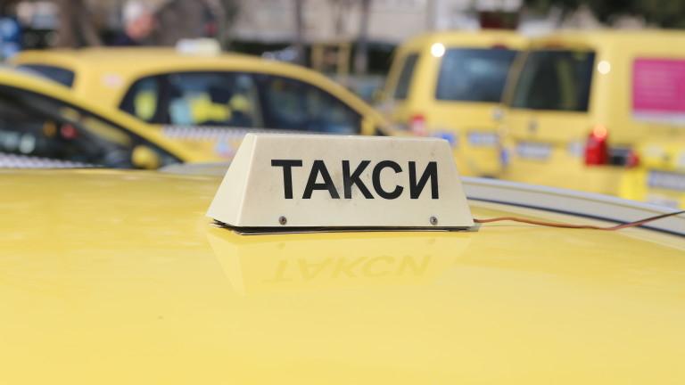 Увеличение на първоначалната такса за таксиметров превоз искат от МТИТС Националният таксиметров синдикат (НТС), Националният съюз на превозвачите (НСП),...