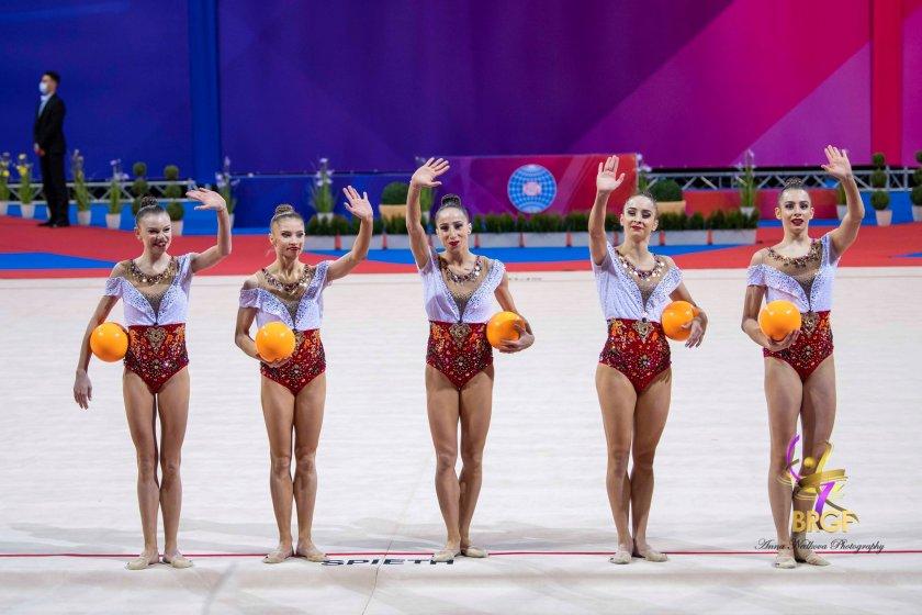 Българският ансамбъл по художествена гимнастика спечели златен медал на Игрите в Токио, предадоха от БНР. Българките бяха без конкуренция в многобоя и...