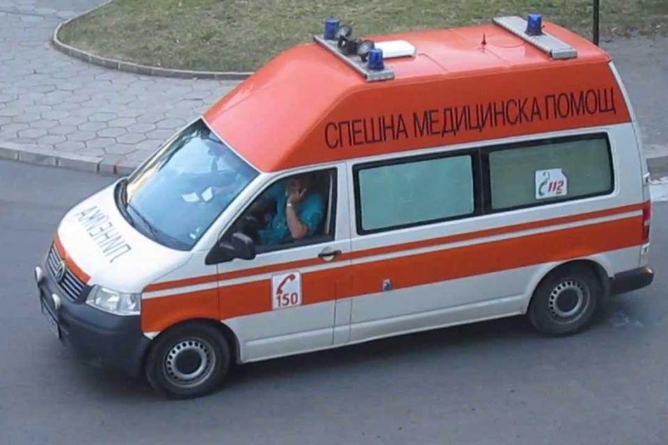 """Трима пострадали при пътни инциденти са приети в МБАЛ """"Д-р Иван Селимински""""-Сливен за периода 20-22 декември. 68-годишна жена е настанена в Отделението..."""