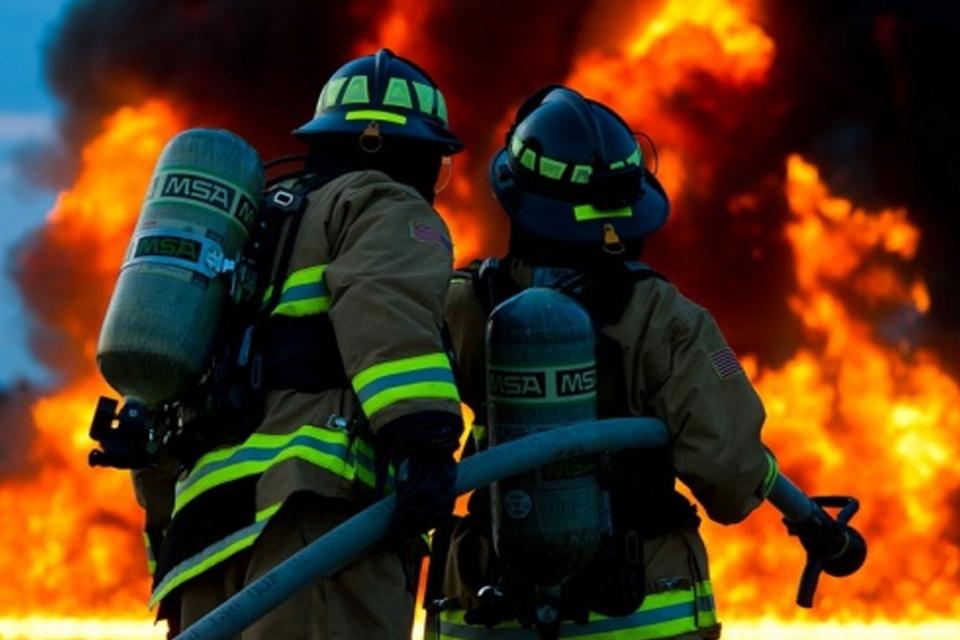 На 15 април около 18.25 ч. в Районно управление - Карнобат е получено съобщение за пожар, възникнал в дома на 65-годишна трудноподвижна жена, разположен...
