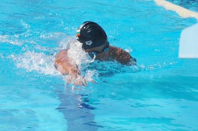 Българинът Цанко Цанков изпълни предизвикателството си и постави световен рекорд в плуването. На открития басейн в Бургас 33-годишният състезател измина...