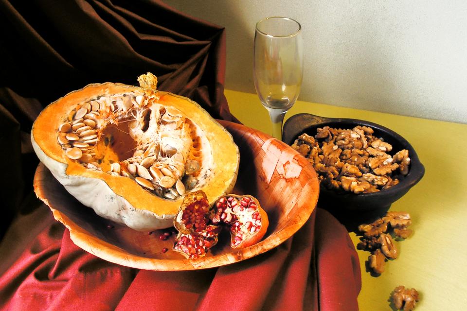 На 14 ноември са Коледните Заговезни - последният ден, в който може да се яде месо преди 40-дневния Рождественски пост (коледни пости). На Коледните заговезни...