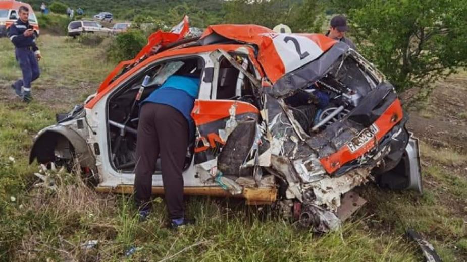 Турският пилот Уур Сойлу пострадал при тежката катастрофа по време на рали Сливен е с отток на мозака и има счупен прешлен. Навигаторът му Арас Динчер...