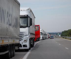 Турция облекчи изискванията към шофьорите на ТИР-ове