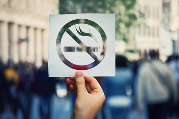 Турция забранява пушенето на открито заради коронавируса. Във всички области на Турция от днес е забранено пушенето на открити места - улици, паркове,...