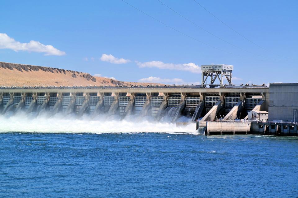 """Екоминистерството търси алтернативен източник на водоснабдяване за Бургаска област. Причината е драстично намалелият обем на язовир """"Камчия"""".Воден режим..."""