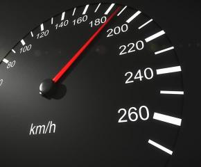 Уловиха шофьор да кара с 204 км/ч във Великденската нощ