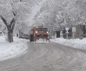 Усложнена пътна обстановка в някои области на страната заради снега
