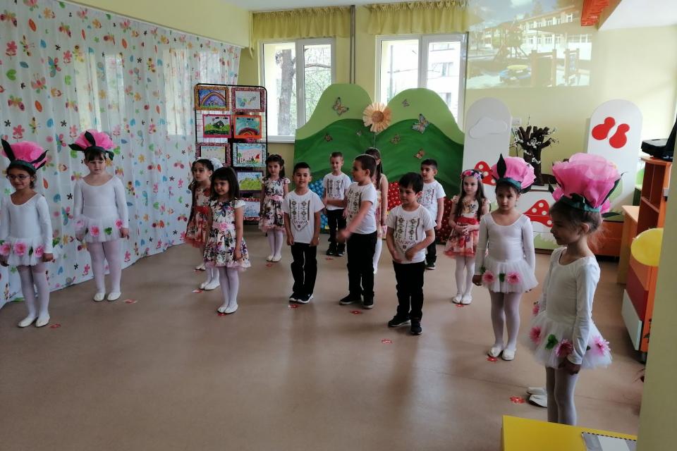 Със своя заповед кметът на Община Сливен Стефан Радев утвърди графиците на дейностите по приема на децата в детските ясли и детските градини за 2020 година....